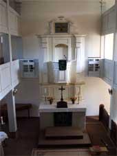 Alte Kirche - Ansicht des Altars von den Emporen